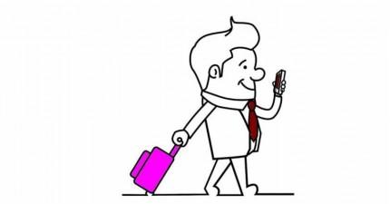 Mann mit pinkfarbenem Koffer