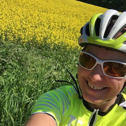 Doreen fährt Rennrad