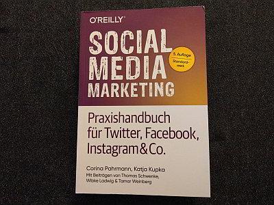 Social Media Marketing - Buch von Corina Pahrmann und Katja Kubka