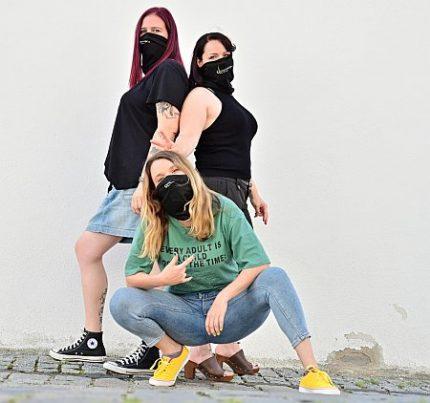 Frauenpower natürlich mit Maske in Coronazeiten