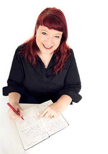 Christa Goede macht sich Notizen